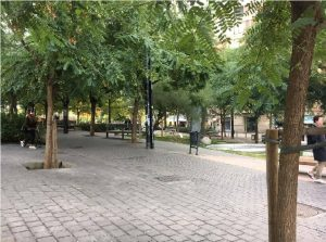 The Lesseps square is full of green spaces to give you a break