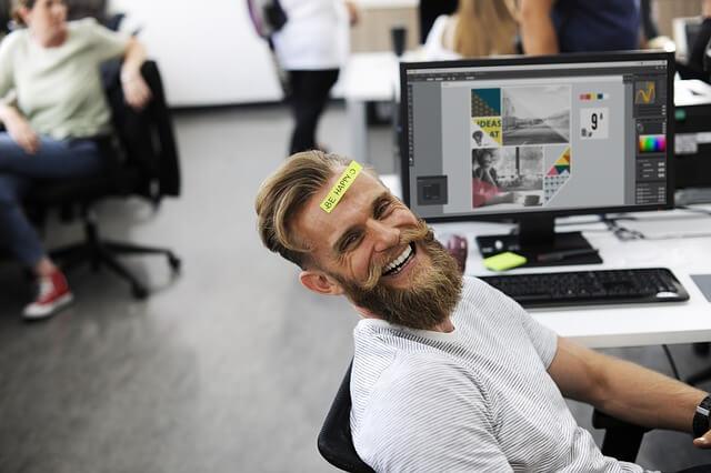 Apren com ser feliç al teu lloc de treball i podrás ser més productiu i eficient